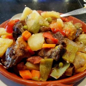 Beef stew w vegetables