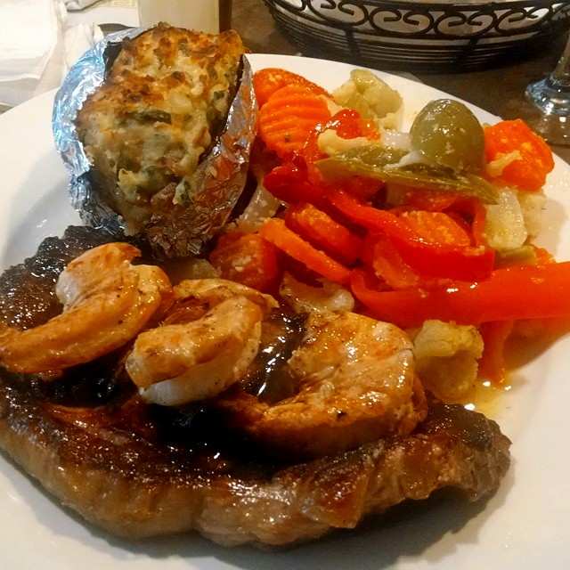 Steak a casa ; homestyle steak w shrimp